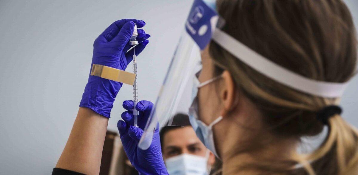 Μόσιαλος για εμβόλιο johnson & johnson: Μετά από 28 μέρες έχουμε 100% προστασία