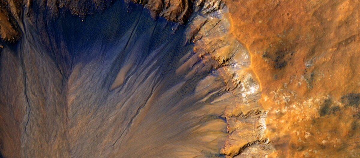 Εξωγήινη ζωή στον Άρη – Πως τα «αποτυπώματα» λιωμένου πάγου φέρνουν ένα βήμα πιο κοντά την μεγάλη αποκάλυψη