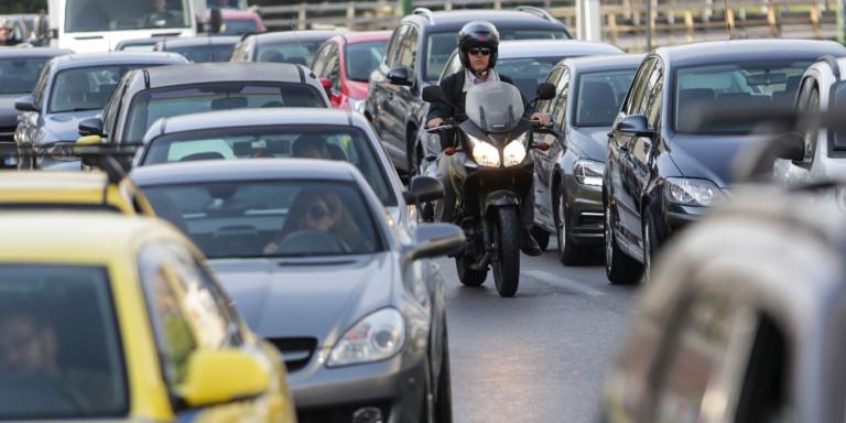 ΥΠΟΙΚ: Παράταση στην προθεσμία για την καταβολή των τελών κυκλοφορίας