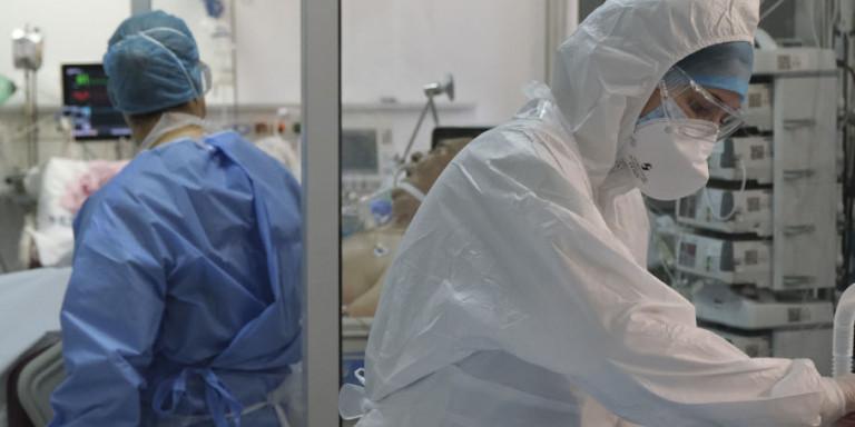 Κορωνοϊός: Στο «κόκκινο» η Αττική -Πίεση στα νοσοκομεία και τις ΜΕΘ