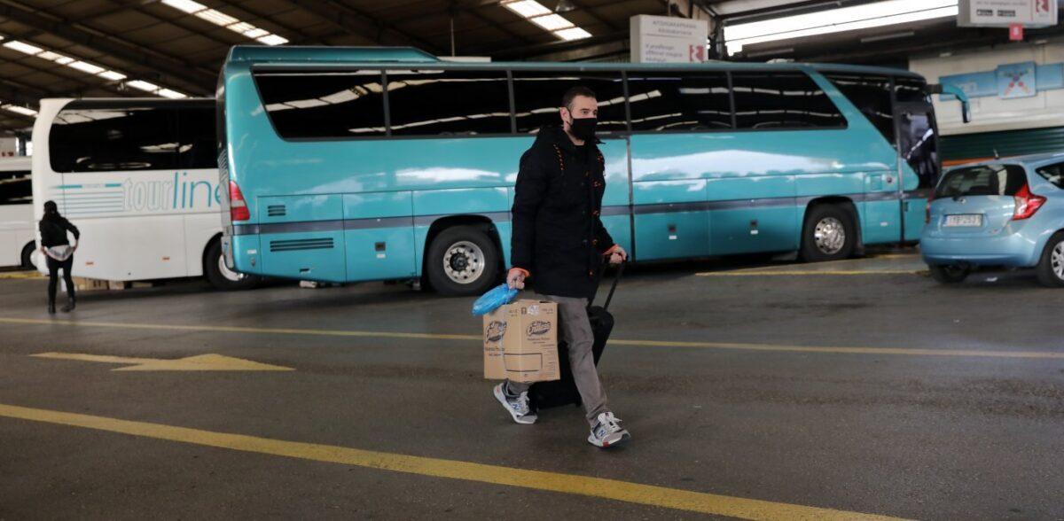 Μετακίνηση εκτός νομού: Τα 3 κριτήρια για την έξοδο το Πάσχα – Οι εξαιρέσεις