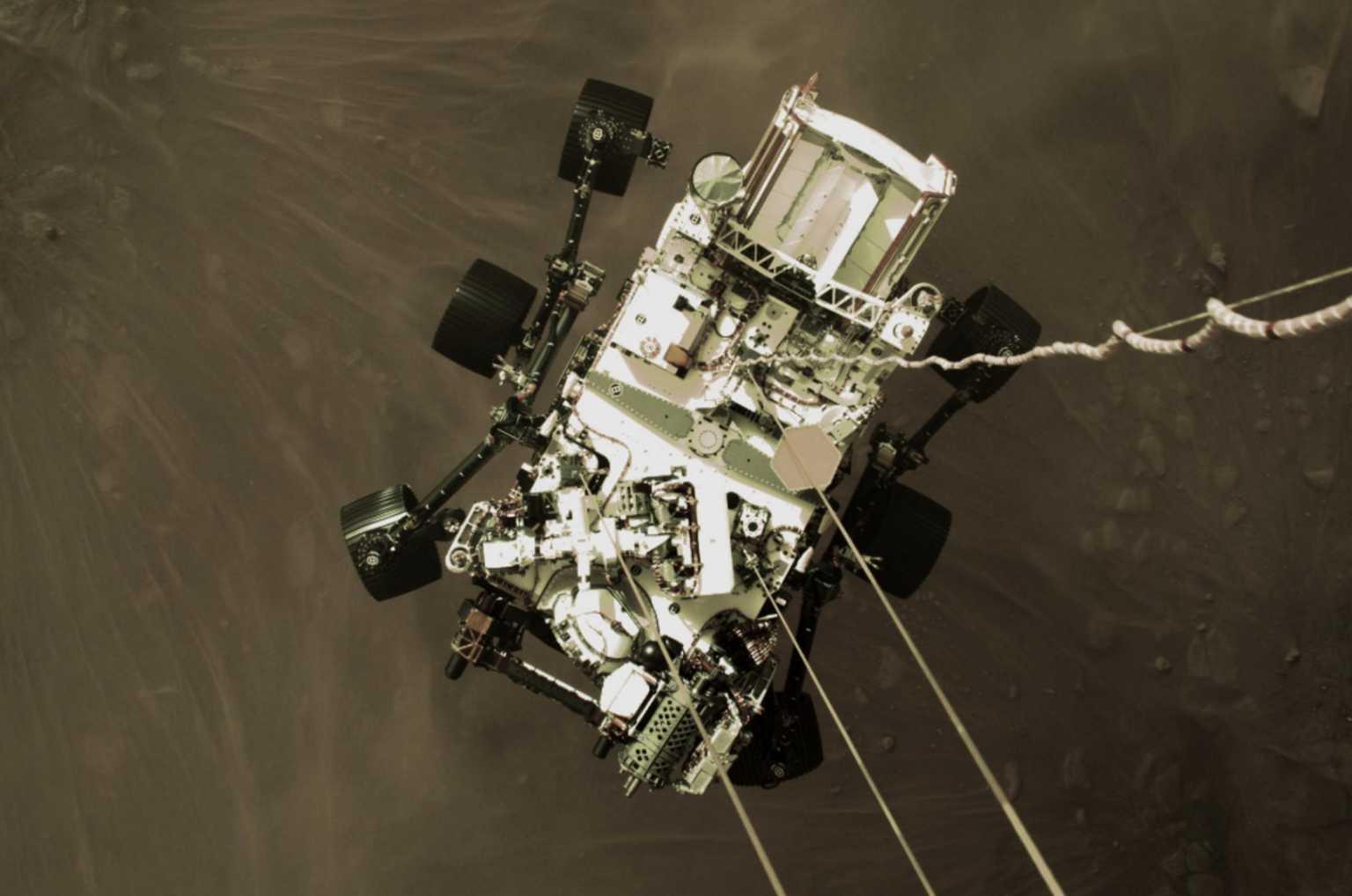 Perseverance: Ιδού ο πλανήτης Άρης – Νέες συγκλονιστικές εικόνες από την στιγμή της προσεδάφισης