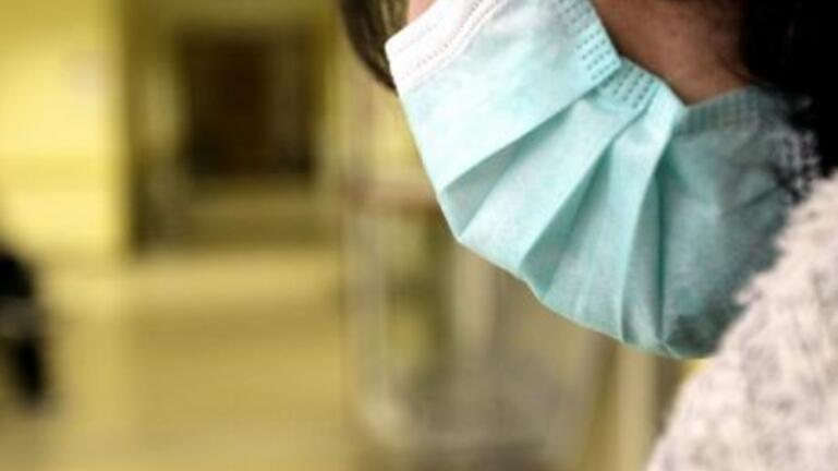 Σύγχυση προκαλούν νέα στοιχεία για τη διπλή μάσκα – Πόσο προστατεύει τελικά από τον κορονοϊό