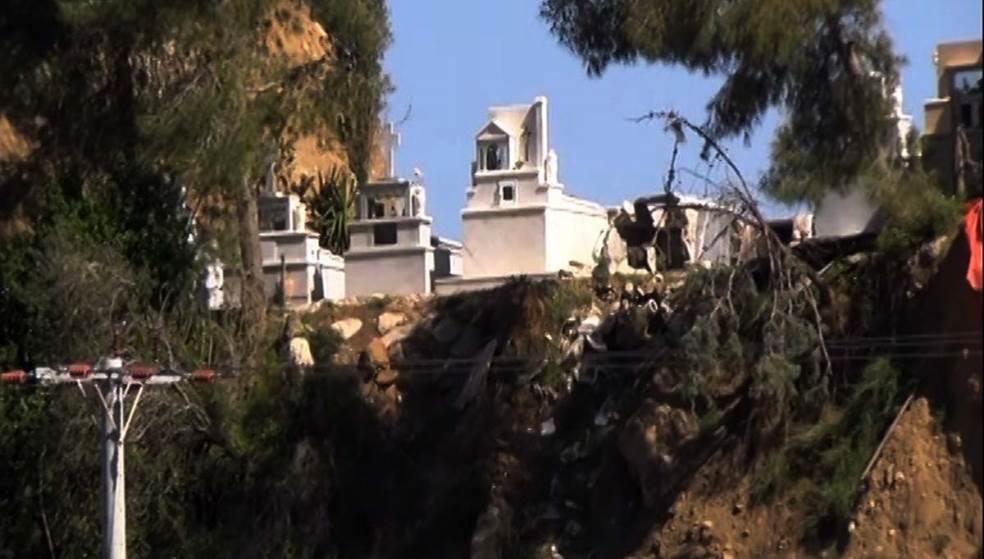 Μοναστήρι Αγίας Ειρήνης στο Ρέθυμνο – Σοκάρουν οι εικόνες από το «υπό διάλυση» νεκροταφείο