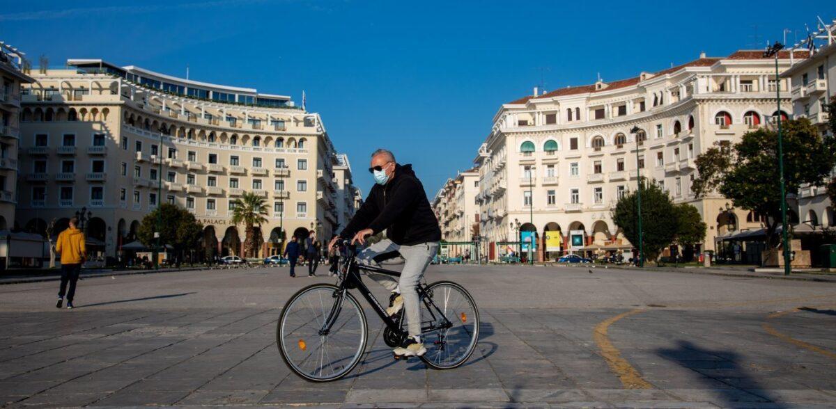 Καθηγητές ΑΠΘ: Πώς ο Νοέμβριος των κρουσμάτων έφερε ανοσία στη Θεσσαλονίκη