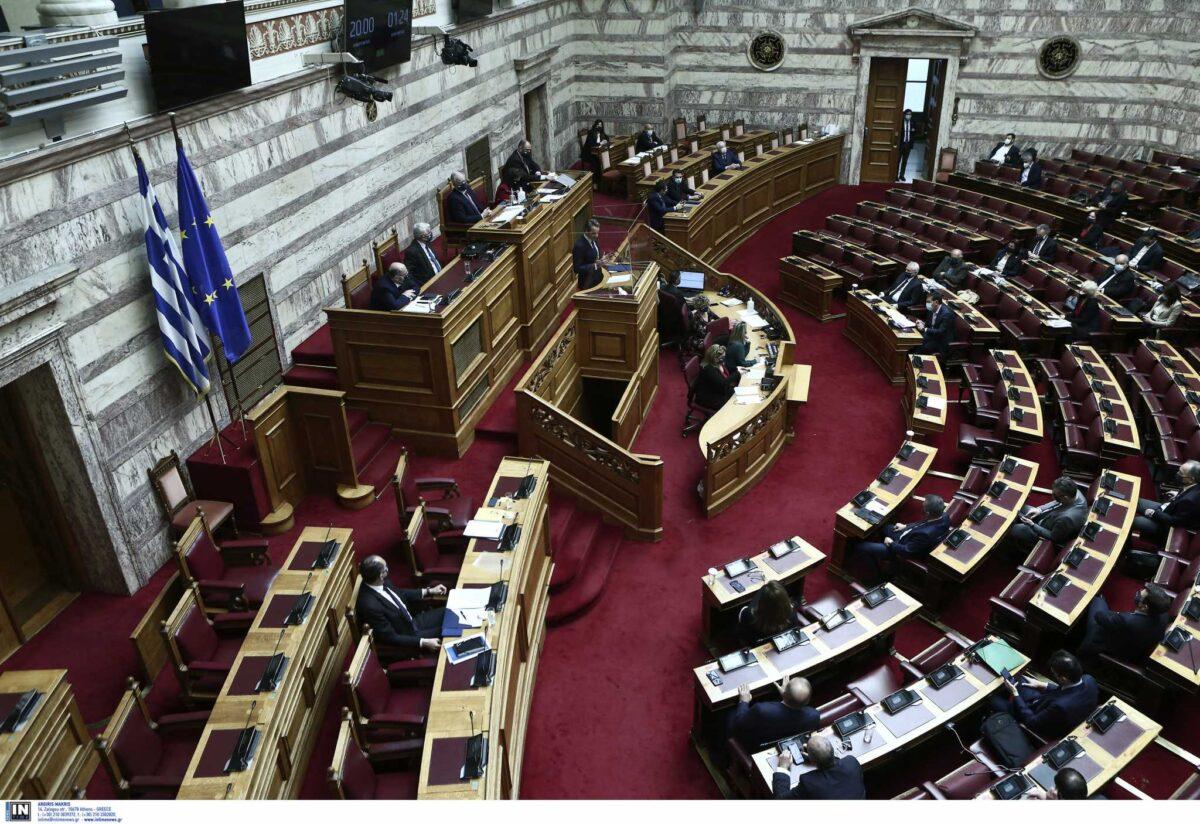 Βουλή Live: Αντιπαράθεση Μητσοτάκη – Τσίπρα μέρος δεύτερον