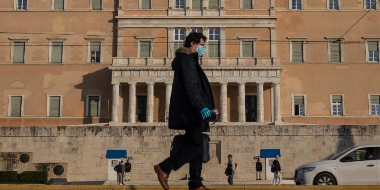 Συνεδριάζει η Επιτροπή Λοιμωξιολόγων: «Οχι» σε γενικό lockdown -Τι λένε για σχολεία, μετακινήσεις