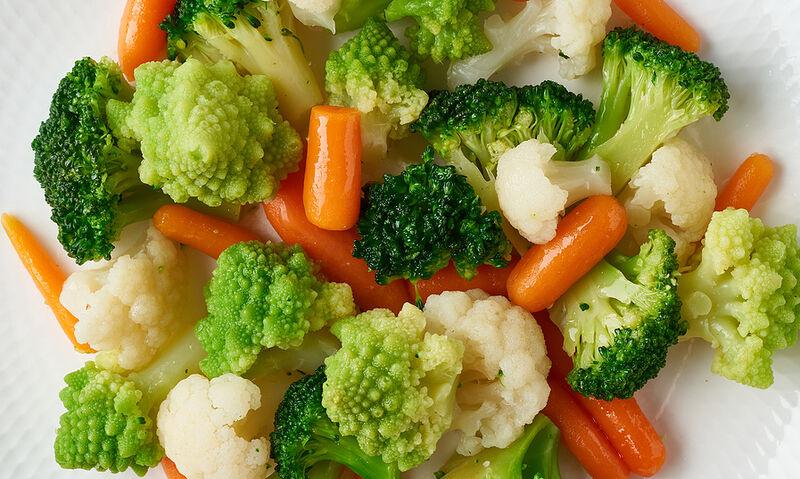 Ποια λαχανικά γίνονται πιο θρεπτικά όταν μαγειρεύονται (εικόνες)