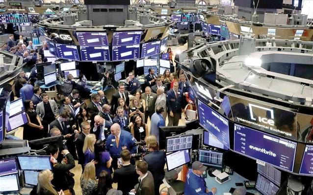 Οι αγορές αγνοούν το δύσκολο παρόν και εστιάζουν στο θετικότερο μέλλον