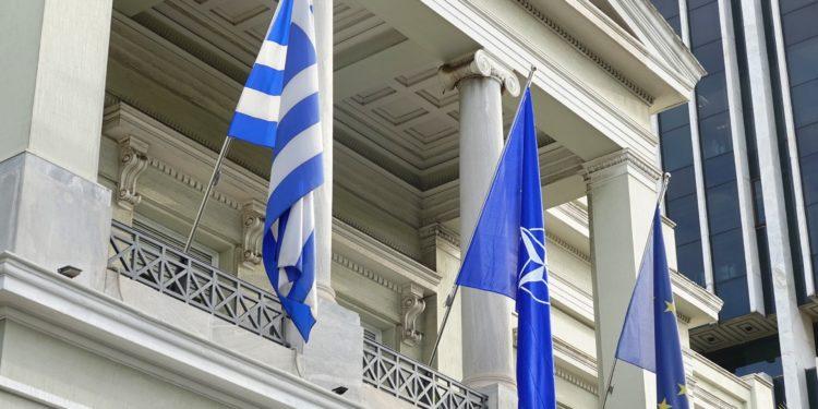 ΥΠΕΞ: Άμεση επαναλειτουργία της Πρεσβείας στην Τρίπολη και άνοιγμα προξενείου στη Βεγγάζη