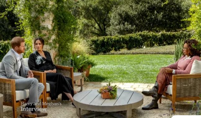 «Βόμβες» της Μέγκαν Μαρκλ για το παλάτι: Ανησυχούσαν πόσο σκούρος θα είναι ο γιος μας και του στέρησαν τον τίτλο του πρίγκιπα