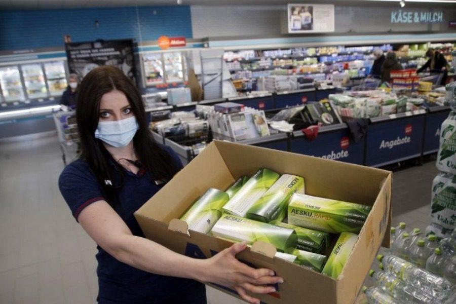 Γερμανία: Εξαντλήθηκαν αμέσως τα rapid test που πωλούνται σε σούπερ μάρκετ