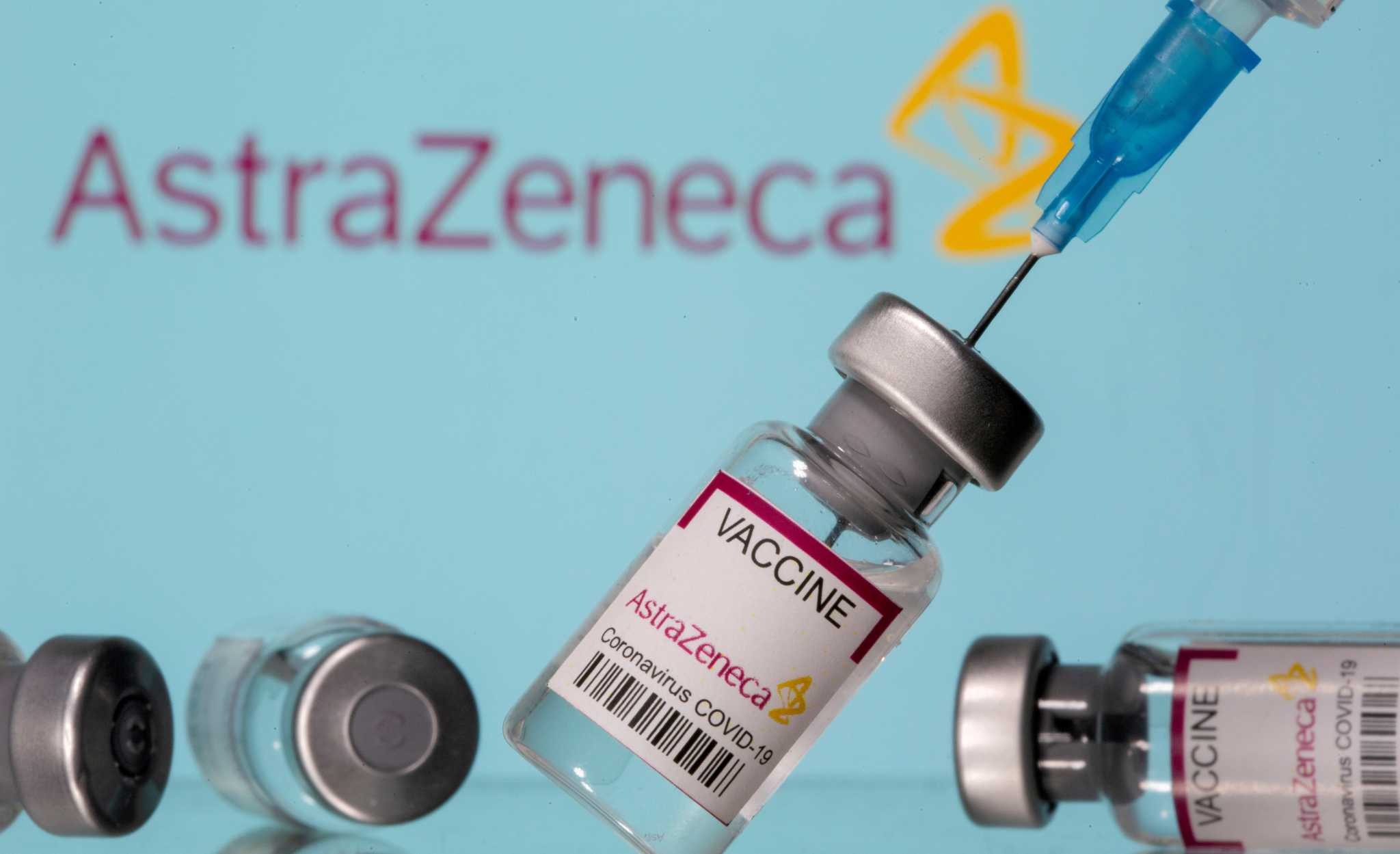 Γυναίκα που έκανε το εμβόλιο της AstraZeneca καταγγέλλει: Μεταμορφώθηκα σε εξωγήινο τέρας