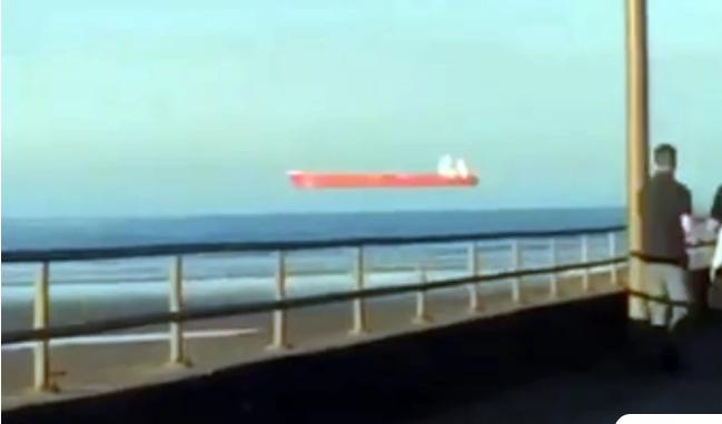 Το «αιωρούμενο πλοίο» της Κορνουάλης