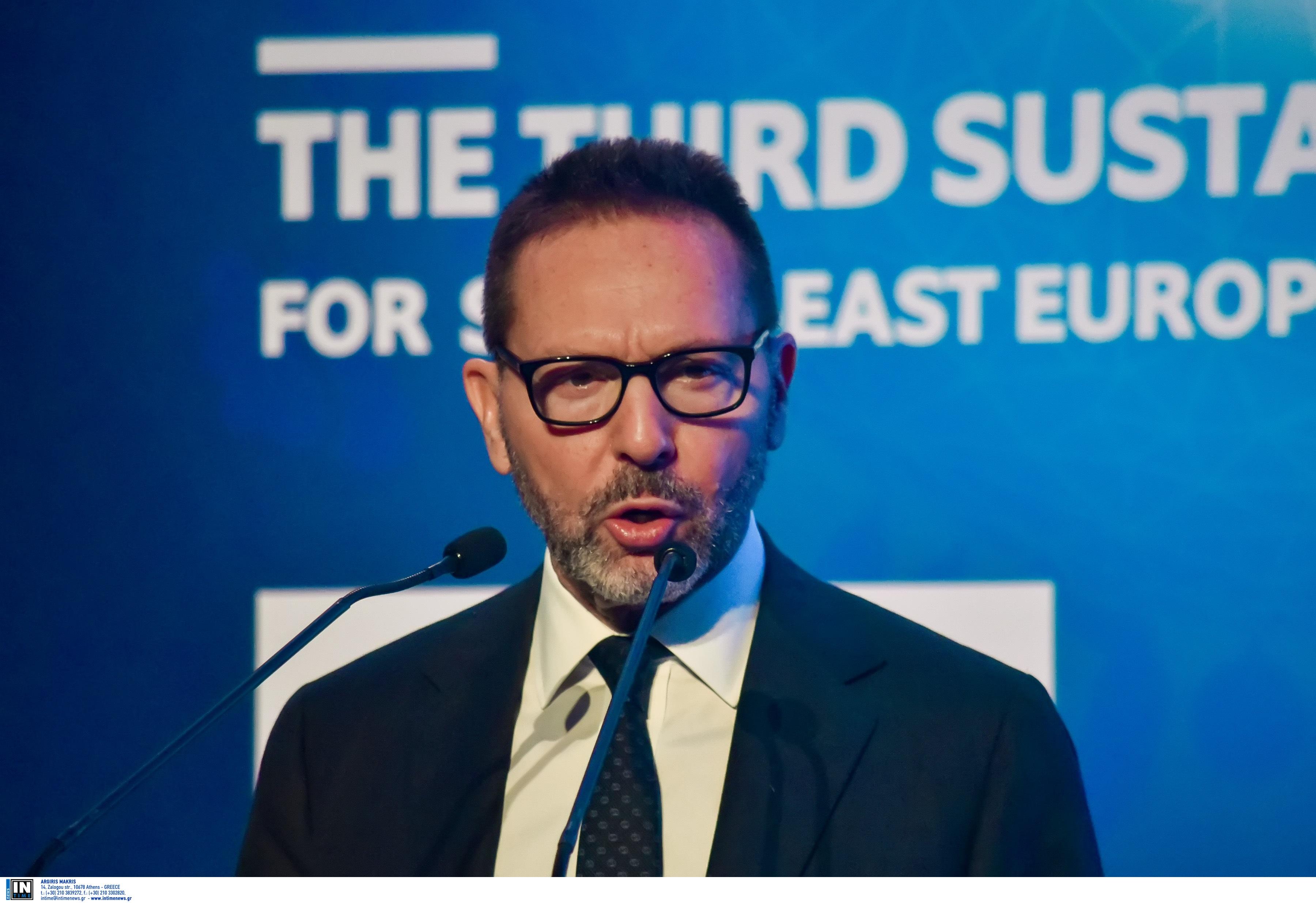 Στουρνάρας στην Handelsblatt: Απαιτείται μεγαλύτερη δημοσιονομική στήριξη στην ΕΕ