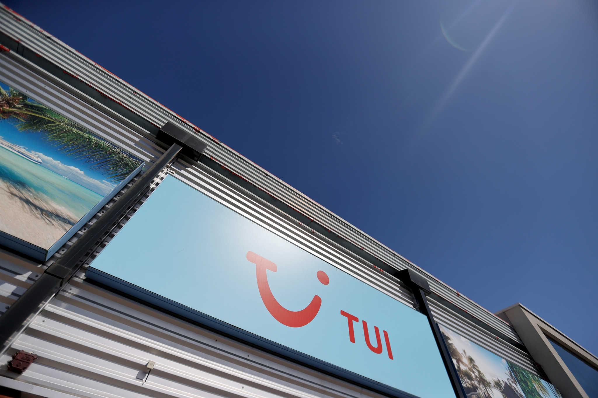 Η TUI κλείνει άλλα 48 καταστήματα στην Βρετανία