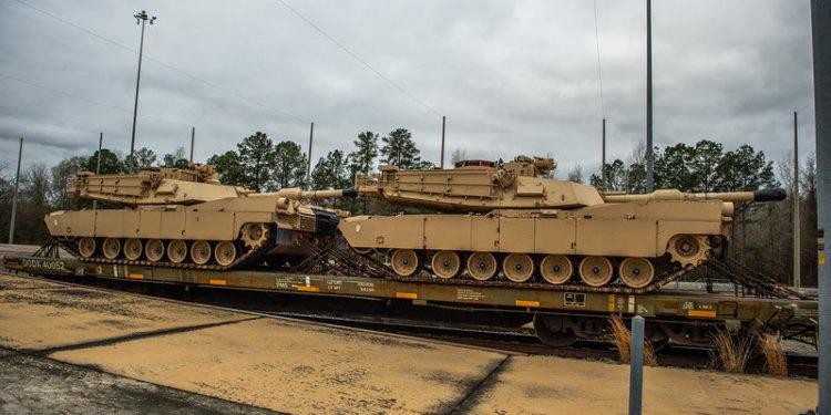 M1 Abrams: Οι Αμερικανοί «Τέθωρες» παρέλαβαν την πιο εκσυγχρονισμένη έκδοση του τανκ [pics]