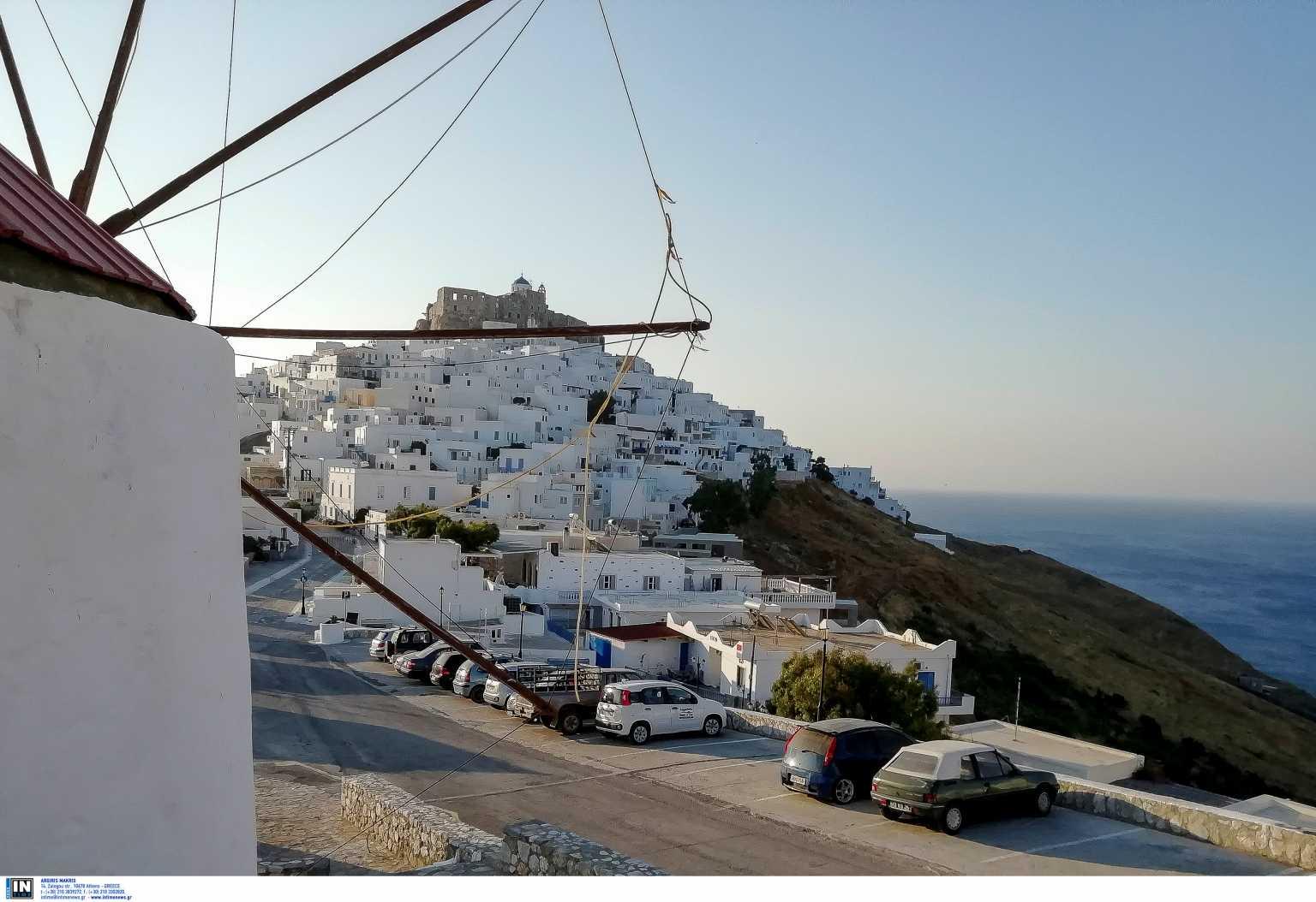 To Der Spiegel διαφημίζει τα ελληνικά νησιά: «Ήλιος, θάλασσα και χωρίς Covid»