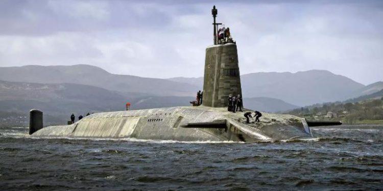 Ο Τζόνσον ανακοινώνει αύξηση των βρετανικών πυρηνικών κεφαλών κατά 40%!