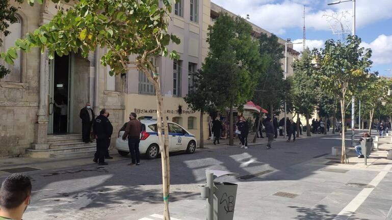 """""""Αστακός"""" το κέντρο του Ηρακλείου – Στο Αυτόφωρο δύο για την επίθεση στο γραφείο Αυγενάκη"""