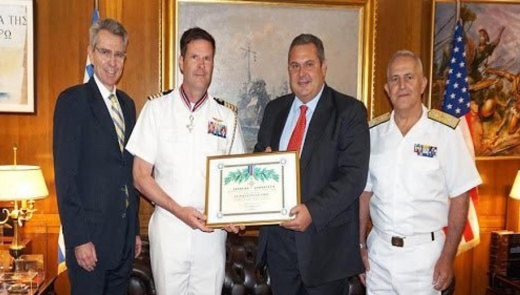 Ο πρώην ακόλουθος Άμυνας των ΗΠΑ ζήτησε «συγγνώμη» δηλώνοντας: Κανένα Arleigh Burke για την Ελλάδα