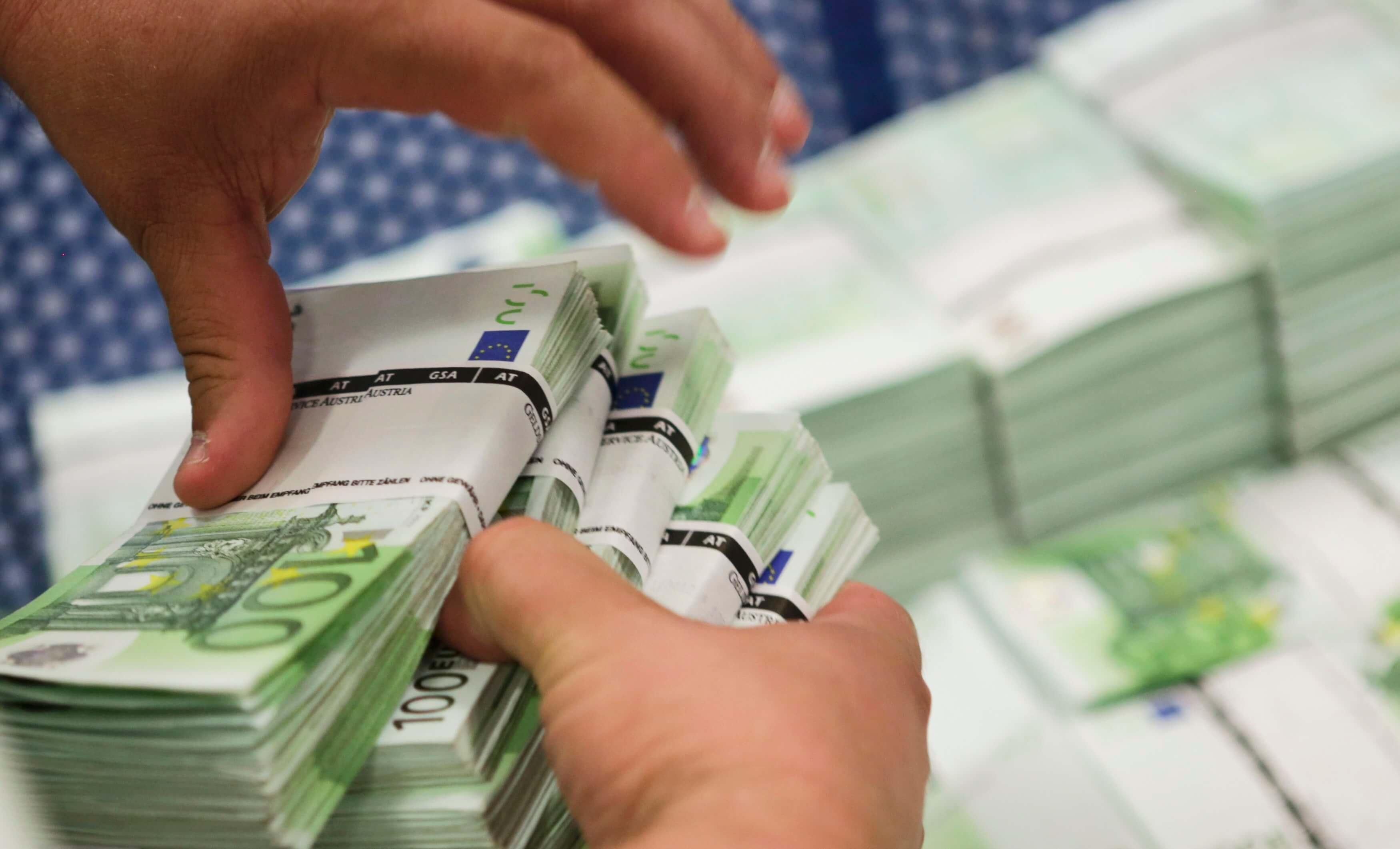 Στα 2,7 δισ. ευρώ το πρωτογενές έλλειμμα του Προϋπολογισμού