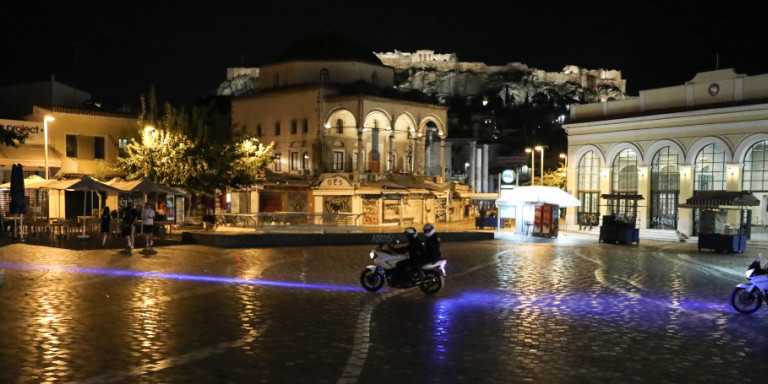 Lockdown: Εξετάζεται καθολική απαγόρευση της κυκλοφορίας σε όλη την Ελλάδα
