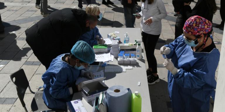 Κορωνοϊός: Περισσότερα από 2.200 κρούσματα και σήμερα