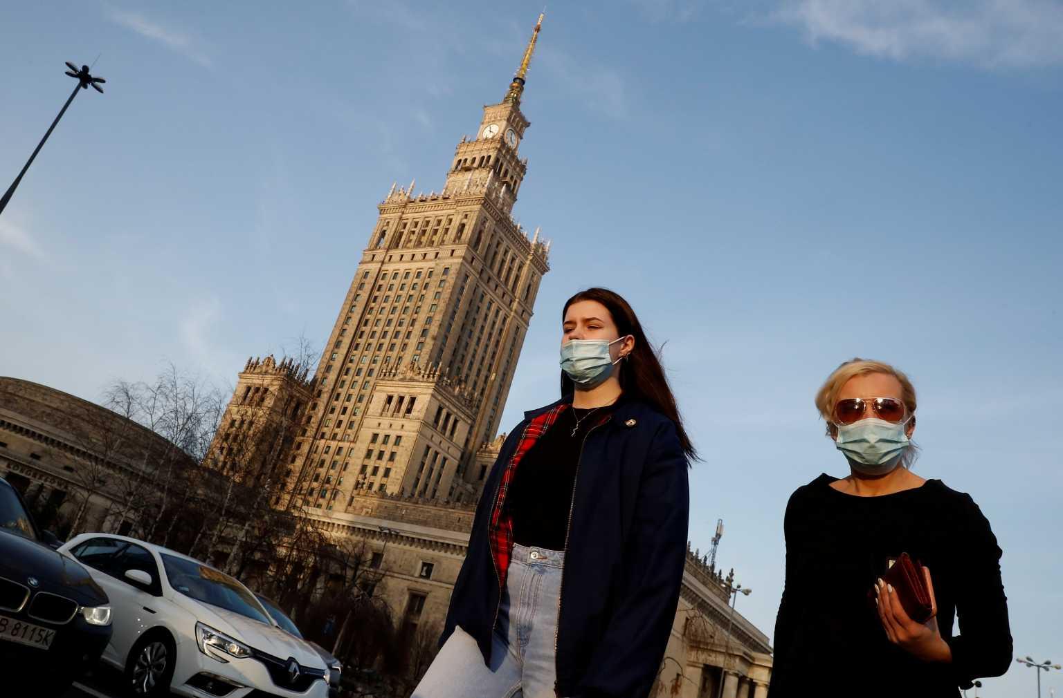Πολωνία – κορονοϊός: Αυτή ή την ερχόμενη εβδομάδα η κορύφωση του τρίτου κύματος