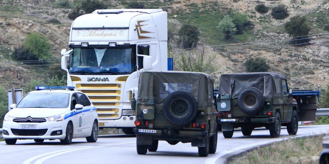 Ανατροπή στρατιωτικού οχήματος στη Θεσσαλονίκη