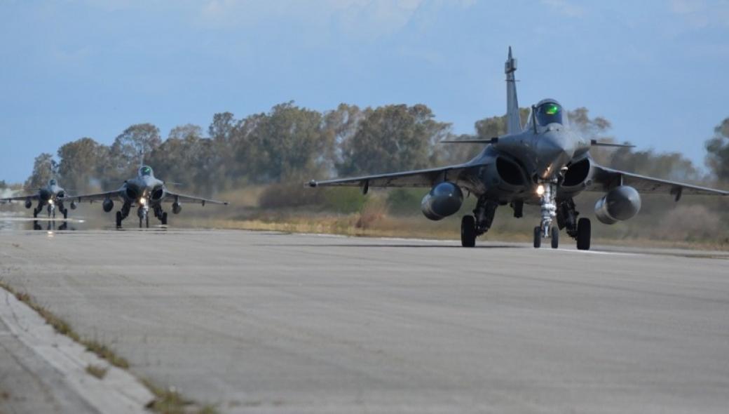 «Ηνίοχος ΄21»: Υπερμεγέθης η γαλλική συμμετοχή με 16 μαχητικά Rafale και Mirage 2000D!