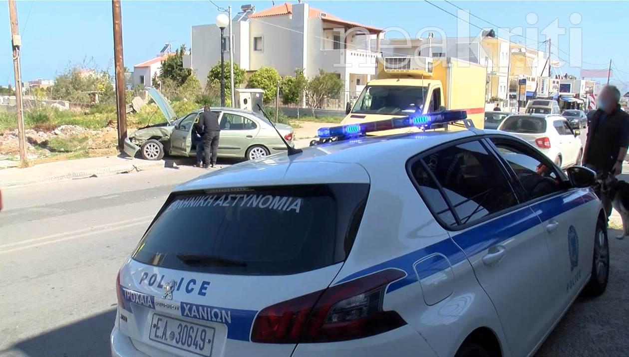 Σύγκρουση τριών αυτοκινήτων στα Χανιά - Στο νοσοκομείο 29χρονη