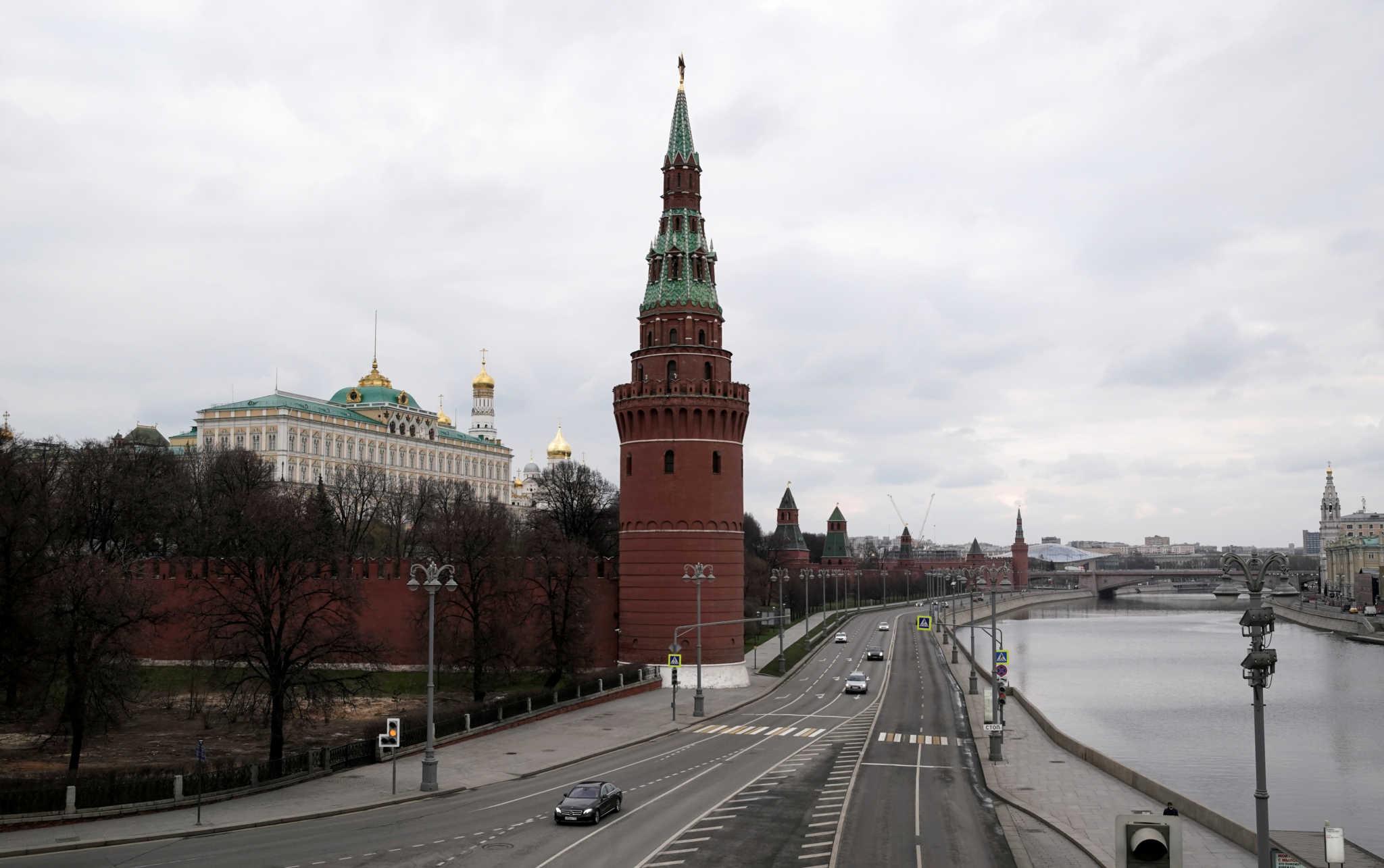 Κρεμλίνο: Θα μελετήσουμε την πρόταση Μπάιντεν για συνάντηση κορυφής με τον Πούτιν