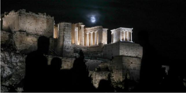 Τα βήματα επιστροφής στην κανονικότητα: Μέσα σε 19 ημέρες άνοιγμα εστίασης, σχολείων και τουρισμού