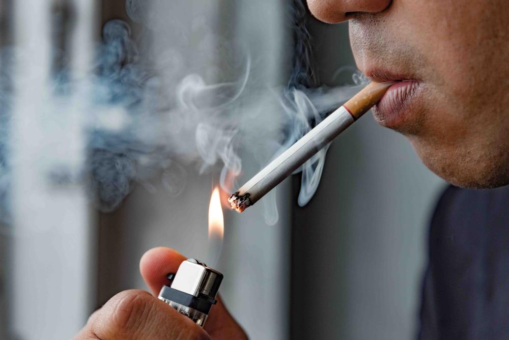 Έρευνα: στο lockdown καπνίζουμε περισσότερο – το κάπνισμα βλάπτει τις σχέσεις