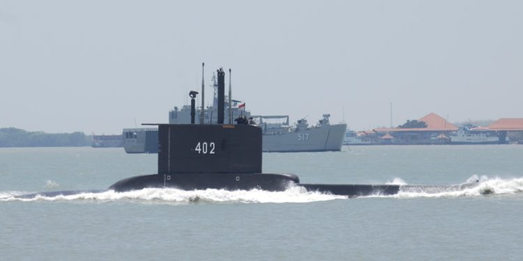Ινδονησία: Αγωνιώδεις έρευνες για το υποβρύχιο που «εξαφανίστηκε»