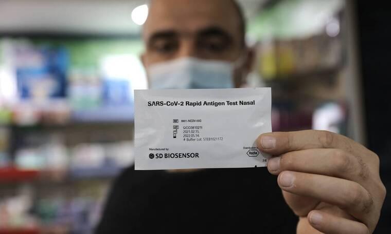 Self test – Κοντοζαμάνης: Διαθέσιμα από αύριο στα φαρμακεία τουλάχιστον 700.000 τεστ