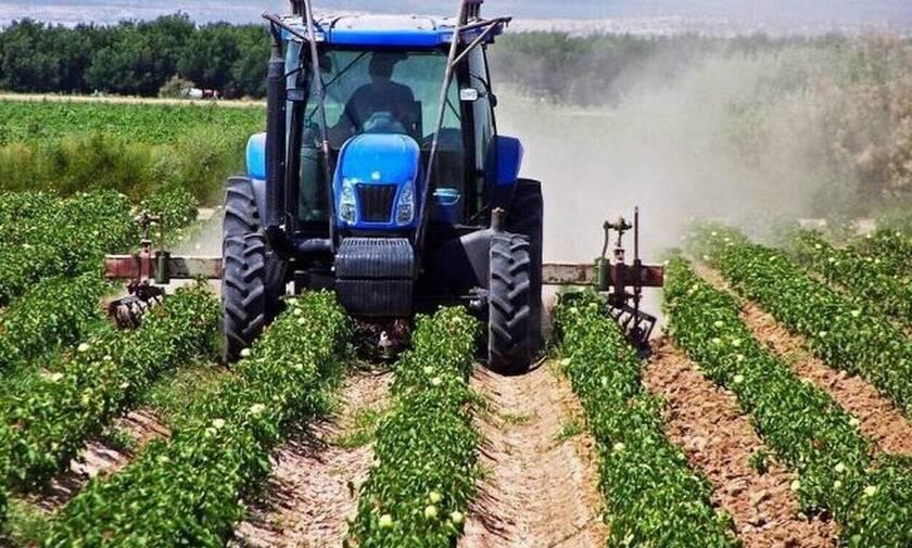Τέλος επιτηδεύματος: Απαλλάσσονται οι αγρότες και οι αλιείς για το φορολογικό έτος 2020