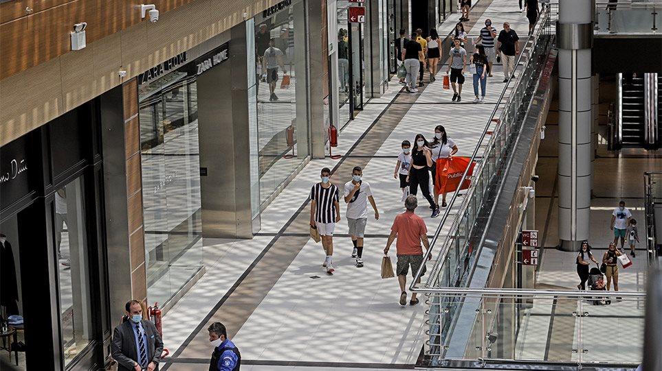 Lockdown: «Πράσινο φως» από τους λοιμωξιολόγους για την επαναλειτουργία των mall και των κέντρων αισθητικής