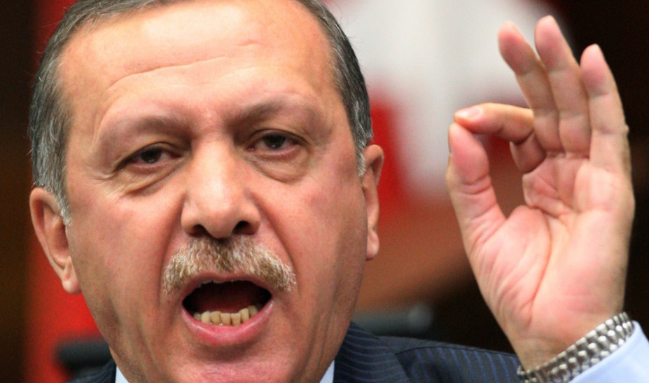 Άστραψε και βρόντηξε ο Ερντογάν κατά των Τουρκοκυπρίων – Αιτία η διδασκαλία του Κορανίου