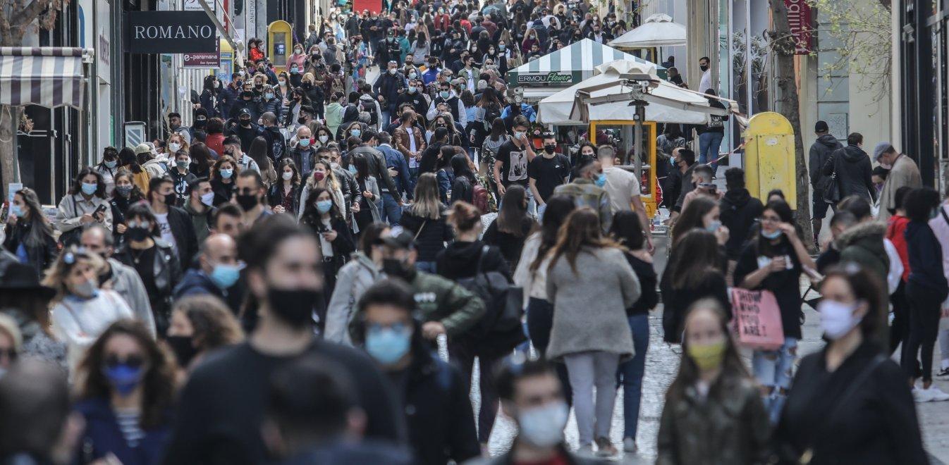 Καταστήματα: Για ψώνια στο κέντρο οι Αθηναίοι – Μεγάλος συνωστισμός στην Ερμού