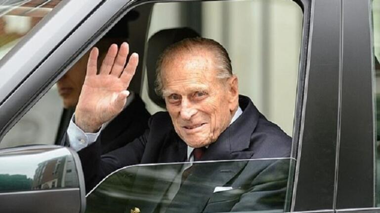 """Ο πρώην μπάτλερ της Νταϊάνα θυμάται τον πρίγκιπα Φίλιππο: """"Δεν άντεχε τους ανόητους"""""""