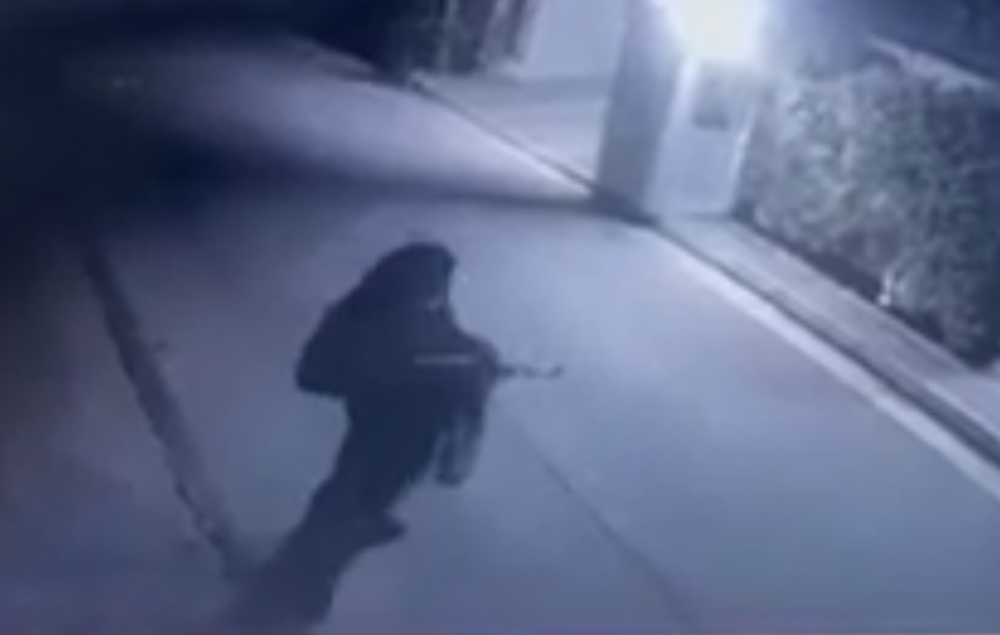 Καρέ – καρέ οι στημένες επιθέσεις στο σπίτι του Φουρθιώτη – Τι αναφέρει η δικογραφία