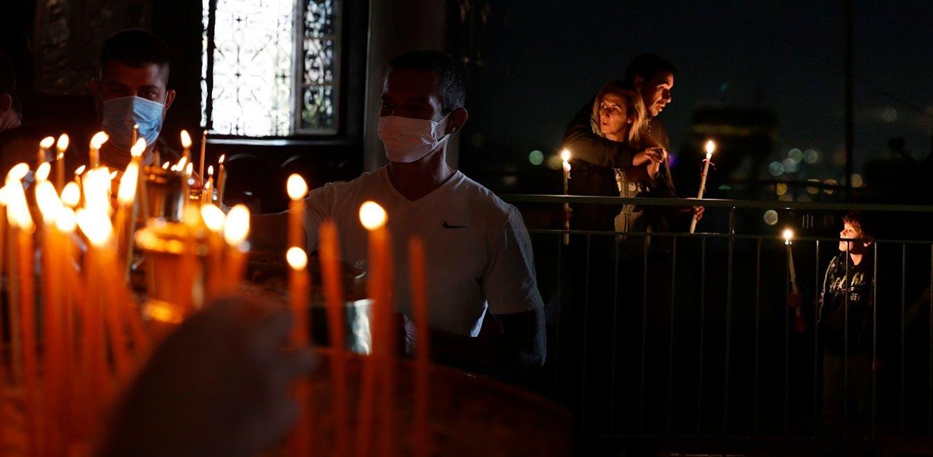 Εκκλησίες - Χαρδαλιάς: Υποχρεωτική διπλή μάσκα στους ναούς το Πάσχα