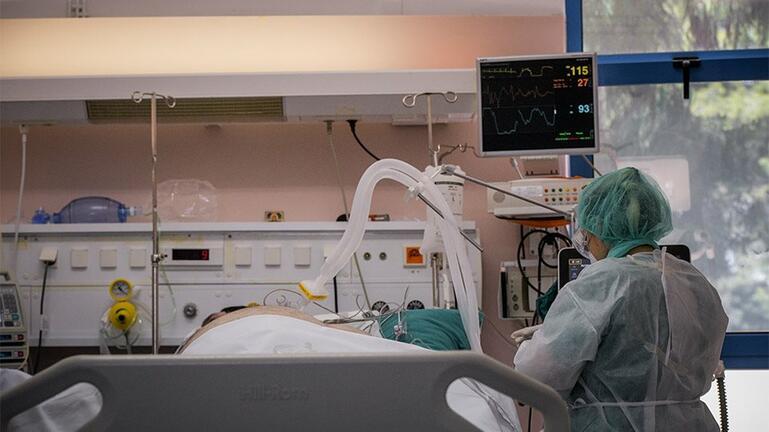 ΠΟΕΔΗΝ: 48 διασωληνωμένοι ασθενείς με κορωνοϊό εκτός ΜΕΘ