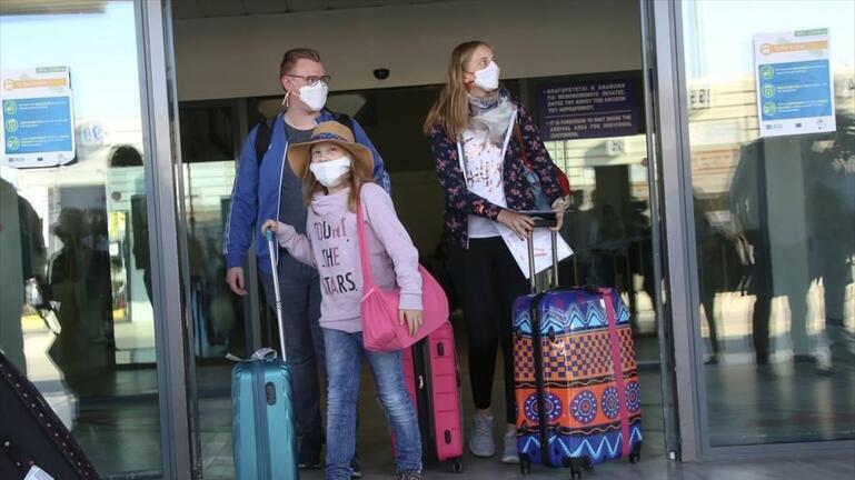 """Κρήτη: Αφίξεις τουριστών με ελέγχους και… """"εισαγόμενα"""" κρούσματα"""