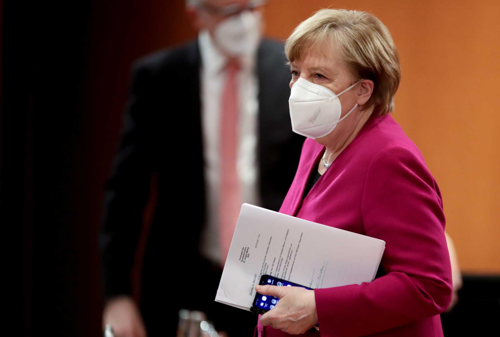 Μέρκελ και πρωθυπουργοί κρατιδίων αποφασίζουν για τα προνόμια των εμβολιασμένων