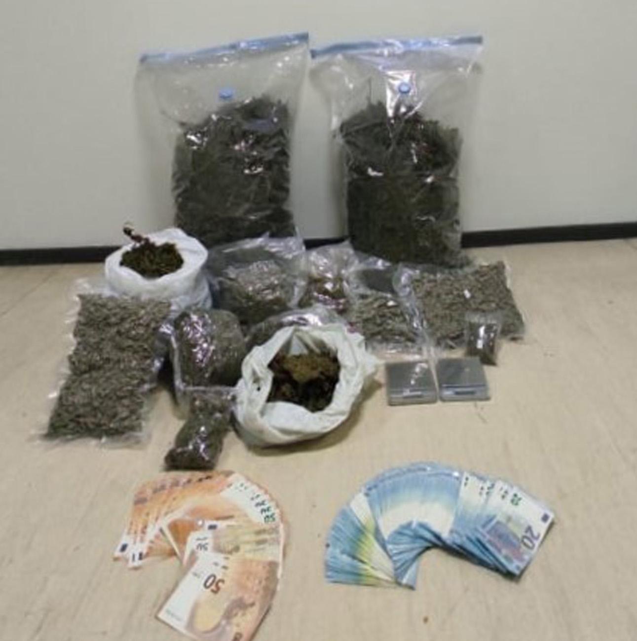 Κέρκυρα: Πιάστηκε με 8,5 κιλά χασίς και 6.000 ευρώ στο σπίτι του
