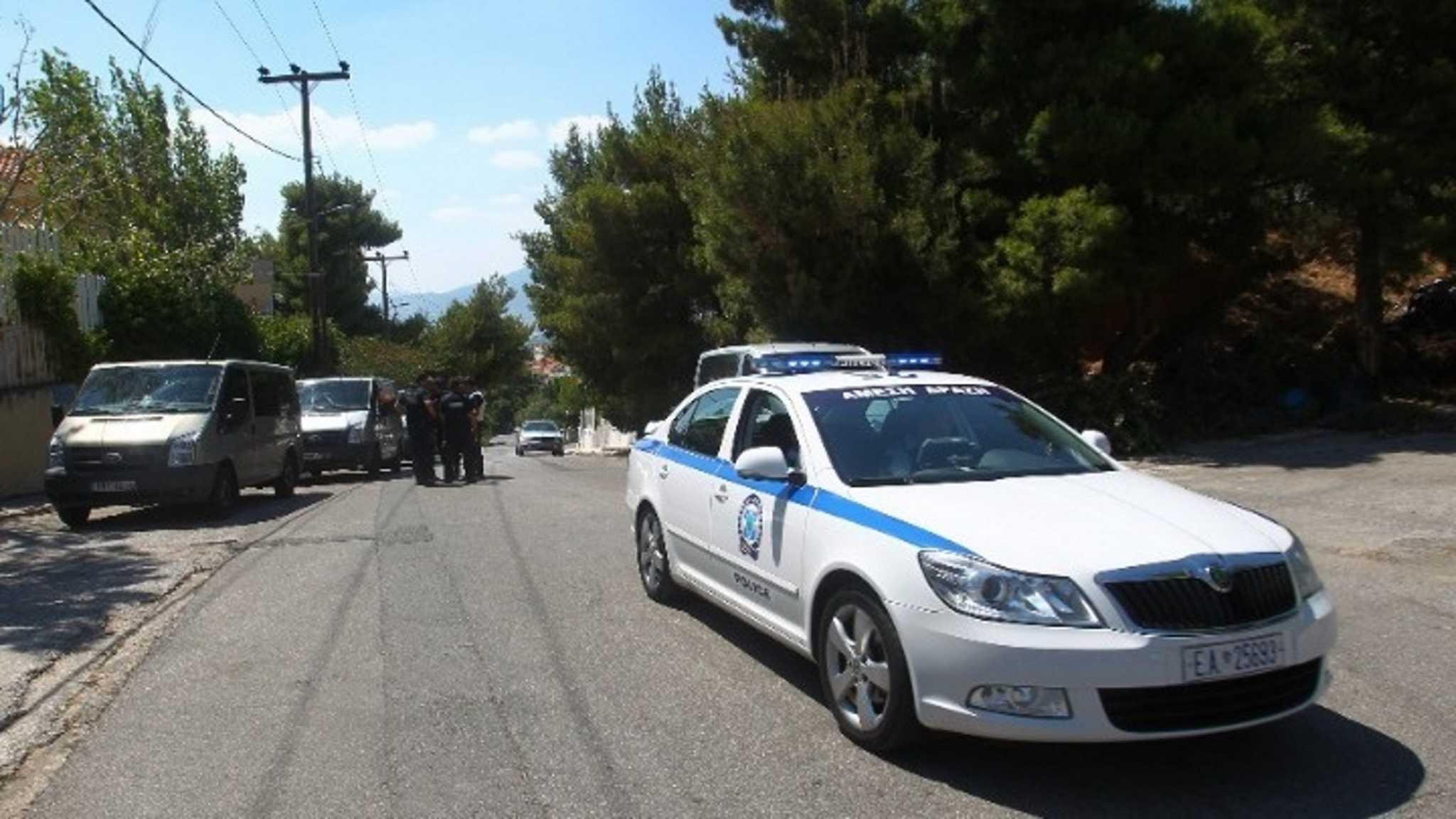Λαμία: Τον χτύπησαν και του άρπαξαν το κινητό – Περαστικοί έπιασαν τους δράστες