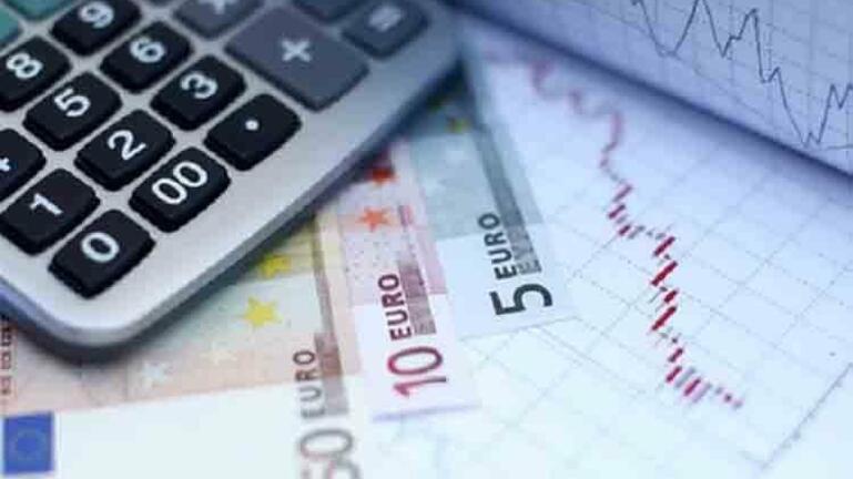 Προϋπολογισμός: 3,4 δισ. € πρωτογενές έλλειμμα - Μειωμένα 359 εκατ. € έσοδα από φόρους